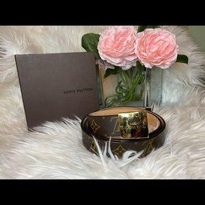 Louis Vuitton Belt w/ box